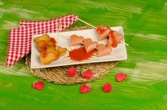 Alimentos de preparación rápida del día de tarjetas del día de San Valentín Imagen de archivo