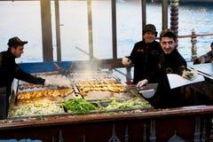 Alimentos de preparación rápida en Estambul Imagenes de archivo
