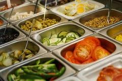 Alimentos de preparación rápida frescos en un restaurante de los alimentos de preparación rápida Imagen de archivo