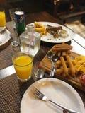 Alimentos de preparación rápida de Taysty y alcohol fuerte imagen de archivo