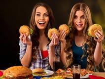 Aliments de préparation rapide d'hamburger avec du jambon Bon concept d'aliments de préparation rapide Photo stock