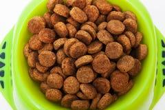 Aliments pour chiens secs photo stock