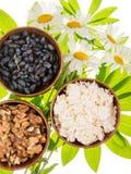 Aliments sains et marguerites Photos libres de droits