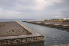 Alimini海滩看法  免版税图库摄影