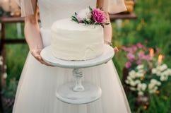 Alineada de boda blanca Imágenes de archivo libres de regalías