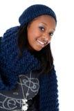 Alineada joven del invierno de la mujer que desgasta negra Foto de archivo libre de regalías