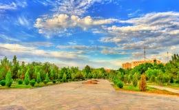 Alisher Navai庭院正方形在Navoi市,乌兹别克斯坦 免版税库存图片