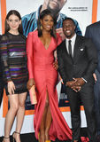 Alison Brie & Edwina Findley & Kevin Hart immagine stock