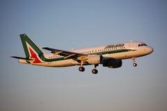 Alitalia Airbus 320 Fotografía de archivo