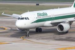 Alitalia - Airbus A320 Lizenzfreie Stockfotografie