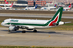 Alitalia Airbus A320 Royalty Free Stock Images