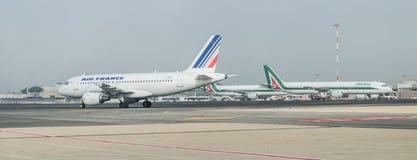 Alitalia et Air France sur la piste Images stock