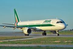 Alitalia flygbuss A321 Royaltyfria Bilder
