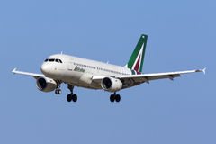 Alitalia A319 in latest livery Royalty Free Stock Photography