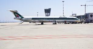 Alitalia, MD Super80 lizenzfreies stockbild
