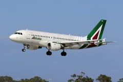Alitalia A319 na libré a mais atrasada Imagem de Stock Royalty Free