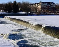Aliviadero del invierno Fotos de archivo libres de regalías