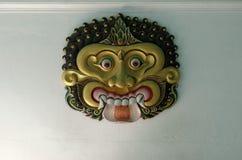 Alivio del ogro en la puerta de Sri Manganti, una puerta dentro del palacio del sultanato de Yogyakarta Foto de archivo libre de regalías