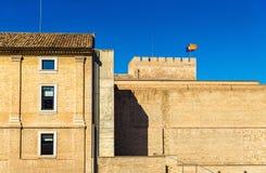 Aljaferia, een versterkt middeleeuws Islamitisch paleis in Zaragoza, Spanje stock afbeelding