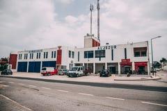 Aljezur消防队大厦在Aljezur,葡萄牙 图库摄影