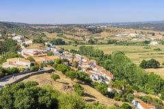 Aljezur incantante sulle colline, Portogallo fotografie stock