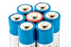 Alkaliska batterier på vit bakgrund Royaltyfri Fotografi