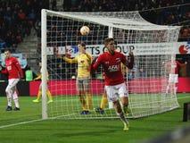 ALKMAAR, OS PAÍSES BAIXOS, O 15 DE DEZEMBRO DE 2018 jogador de futebol Guus Til de AZ fotos de stock