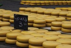 Alkmaar ostmarknad arkivbild