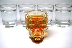 Alkohol kyler in exponeringsglas Arkivbild