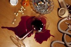 alkoholfördjupningen förgiftar självmord Royaltyfri Bild