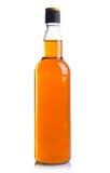 Alkoholflaschen auf weißem Hintergrund. Lizenzfreies Stockfoto