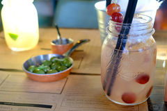 Alkoholfreie Getränke oder Cocktails, Café Lizenzfreies Stockfoto