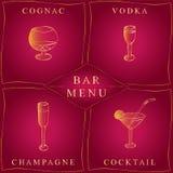 Alkoholgetränke Barkarte Satz von Hand gezeichnete Weingläser in den goldenen Rahmen Gläser mit Kognak, Wodka, Champagne und Cock Stockfotografie