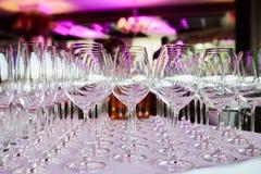 alkoholiczka pije szkła ustawiających fotografia royalty free