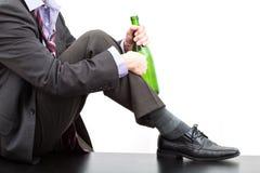 Alkoholiczka z butelką wino obrazy royalty free