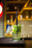 Alkoholiczka zielony koktajl fotografia royalty free