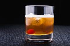 Alkoholiczny koktajl z wiśnią Zdjęcia Stock