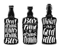 Alkoholu napój, napój etykietki set Inkasowi dekoracyjni elementy dla menu restauraci lub pubu, bar literowanie royalty ilustracja