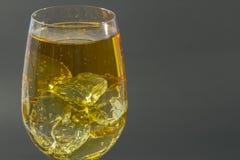 Alkoholu soda mieszający lód Dla świętowań i napój fotografia royalty free