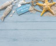 Allé au concept d'étoiles de mer de vacances de vacances d'été de plage image libre de droits