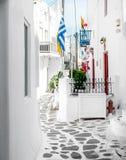 Allée étroite de vieille ville sur l'île de Mykonos images libres de droits