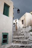 Allée dans Leukes, Paros Image stock