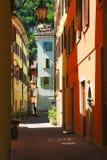 Allée en Riva del Garda, Italie images stock