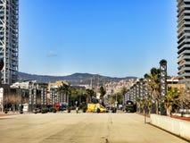 Allée entre les arts et le Torre Mapfre d'hôtel Photo libre de droits