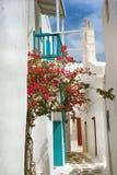 Allée grecque traditionnelle sur l'île de Mykonos photos libres de droits