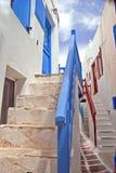 Allée grecque traditionnelle sur l'île de Mykonos photos stock