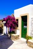 Allée grecque traditionnelle sur l'île de Mykonos photo stock
