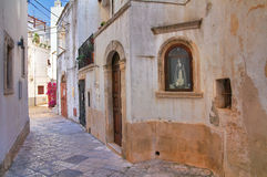 Allée. Noci. La Puglia. L'Italie. Photo libre de droits