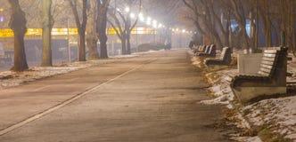 Allée piétonnière le long de la rivière Sava, Belgrade Photographie stock libre de droits