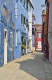 Allée typique de Burano Photos libres de droits